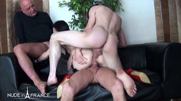 Linda India - Small titted cougar brunette gets double vaginal plugged in a gangbang (2016/NudeInFrance/HD)