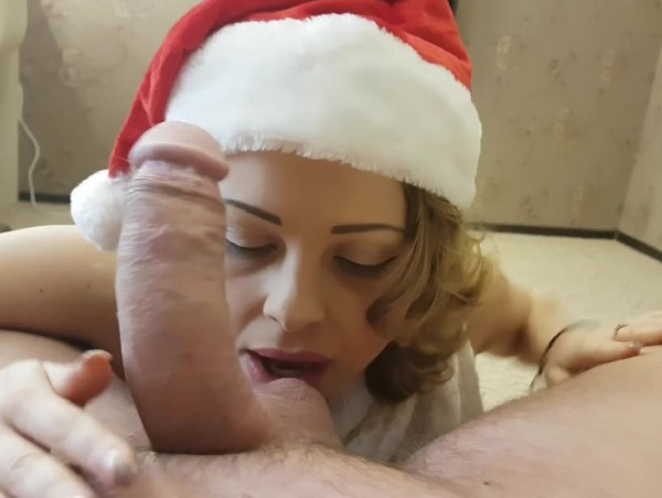 Christmas cumshot from Bad Santa on blonde face
