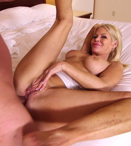 cam mature escort cougar