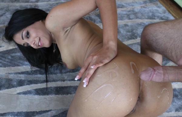 Layla Sin - Shackin Up After Strip Charades (LatinaSexTapes.c0m/Mofos.c0m/FullHD)