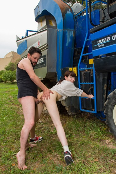 Luna Rival - French teen Luna Rival fucked in the ass in the countryside (Explicite-Art/2017/HD)