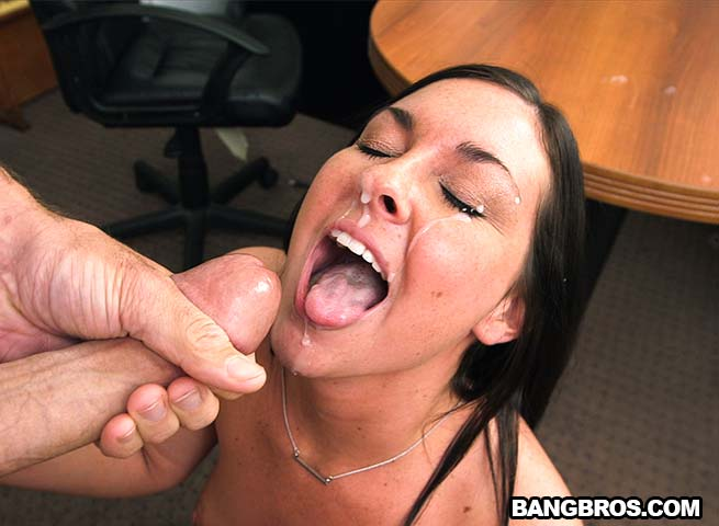 Brittany Shae - Shows Us What Shes Got (BangCasting/BangBros)