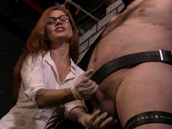Amateurs - Controlling My Slaves Orgasm by Edging! (2017/EllaKross/1080p)