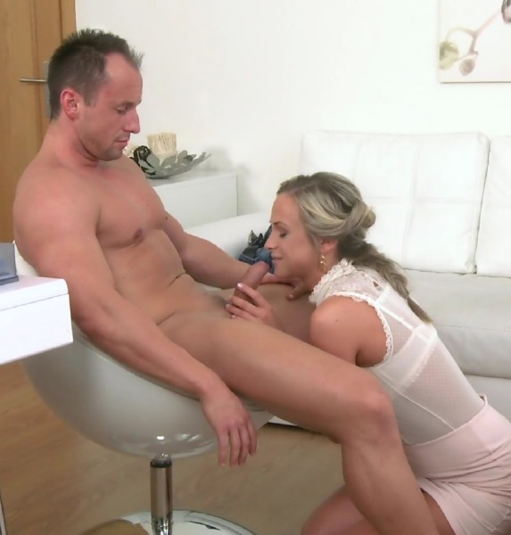 Ridge, Vinna Reed - Sexy New Blonde Agent Empties Studs Balls During First Casting