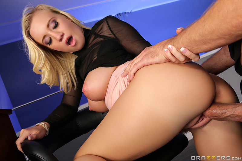 Bailey Brooke - Bounce Her (BabyGotBoobs/Brazzers/2017/1080p)