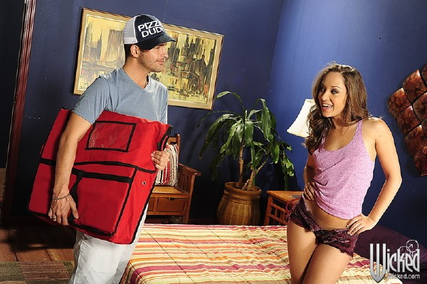 Remy Lacroix - The Booty Pageant, Scene 2 (WickedPictures/1080p)