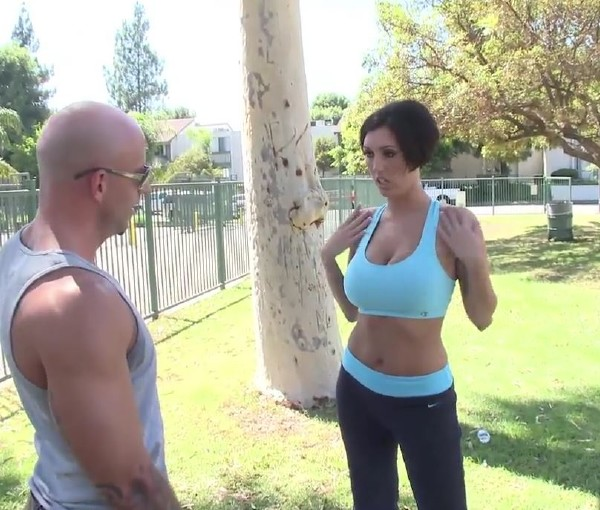 Dylan Ryder - Yoga lesson leads to a torrid fucking session (2017/BustyGFsExposed/DaGFs/HD)
