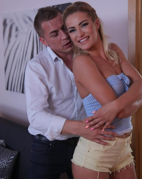 Cherry Kiss - Hot Blonde Squirting Passion (DaneJones/SexyHub/2017/HD)