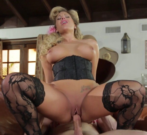 Olivia Austin - The Blonde Pin Up (2017/Pinkoclub/SD)