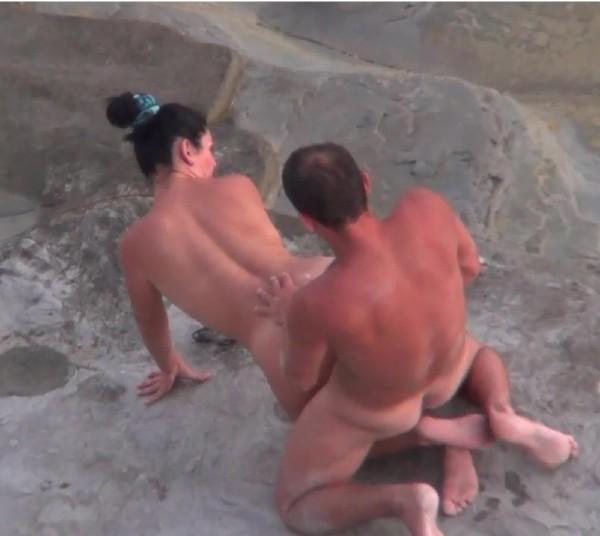 Amateurs - Beach Sex 656 (2017/BeachHunters/HD)