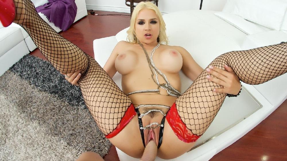 Sarah Vandella - Sarah Vandella Meets Her Fan (PornGoesPro/Spizoo)