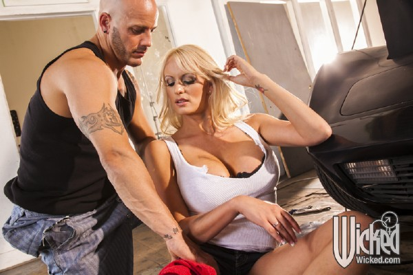 Stormy Daniels - Snatched, Scene 4 (WickedPictures/1080p)