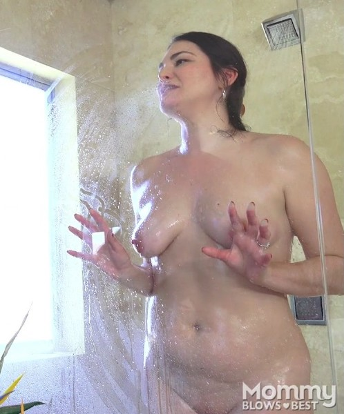 Madeline Blue - Soapy Shower Suck (2017/MommyBlowsBest/MyXXXPass/1080p)