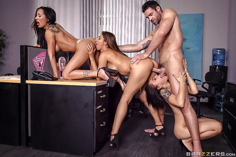 Amia Miley, Holly Hendrix, Isis Love - 1 800 Phone Sex: Line 4 (BrazzersExxtra/BraZZers/2017/1080p)