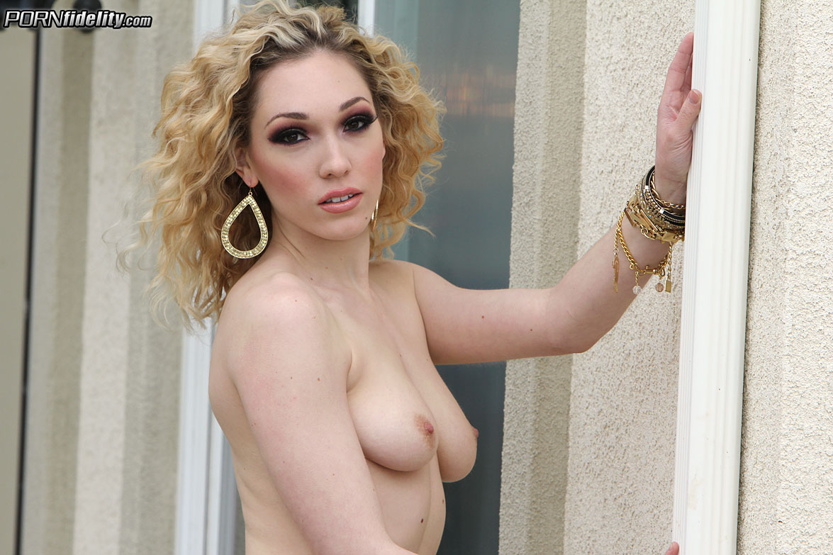 Fuck A Model - Lily Labeau (PornFidelity)