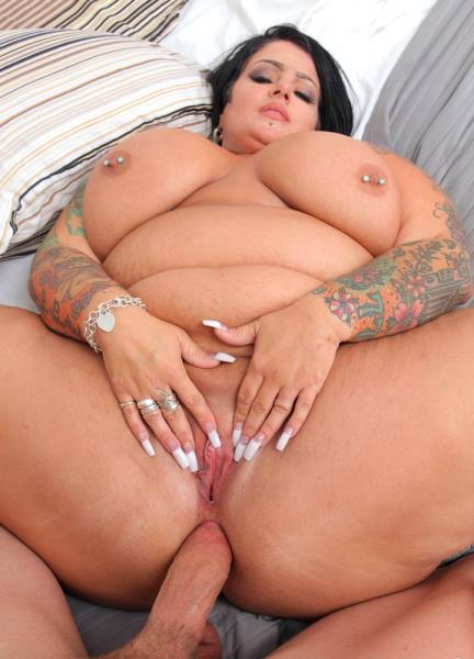 Erika Xstacy - To Catch A Cougar (2017/PlumperPass/SD)