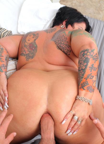 Erika Xstacy - To Catch A Cougar (2017/PlumperPass/1080p)