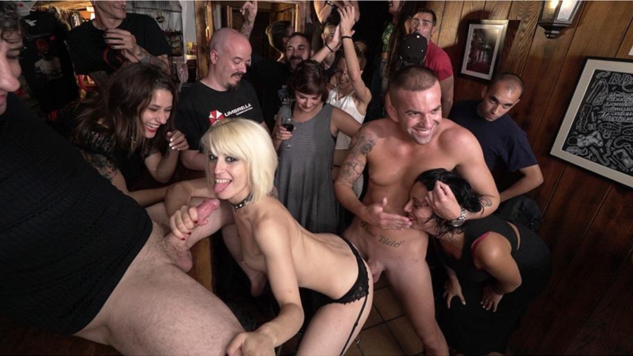 Sexy Happy Hour - Nora Barcelona,Alexa NAsha (BoldlyGirls/CumLouder)