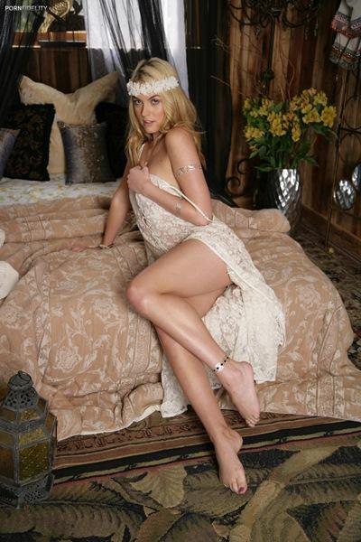 Keira Nicole - Wander Lust 3 (PornFidelity)