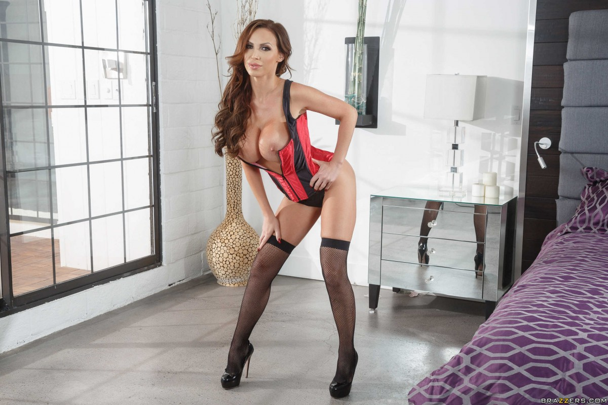 Nikki Benz - Toying With A Pornstar (PornstarsLikeItBig/Brazzers)