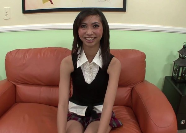 Rosemary Radeva - Asian schoolgirls pussy gets stretched to the limit (2017/RealAsianExposed/DaGFs/HD)
