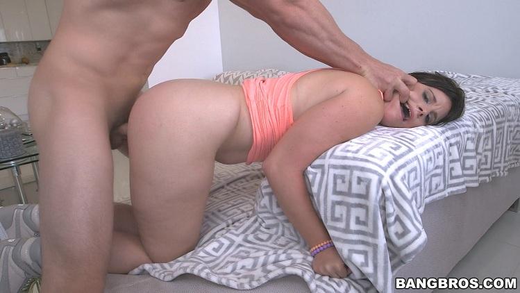 Virgo Peridot gets anal pounded (AssParade/BangBros)