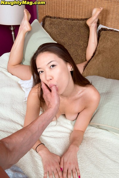 Lily Starr - Rewarding Lily (2017/NaughtyMag/PornMegaLoad/HD)