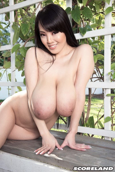 Hitomi - Bare In The Country (2017/ScoreLand/PornMegaLoad/1080p)