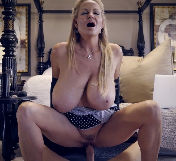 Kelly Madison - Poke a Dots (2017/KellyMadison/SD)