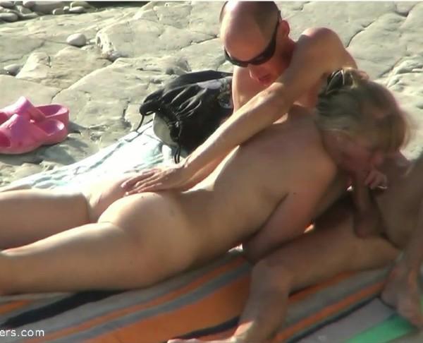 Amateurs - Beach Sex 666 (2017/BeachHunters/HD)