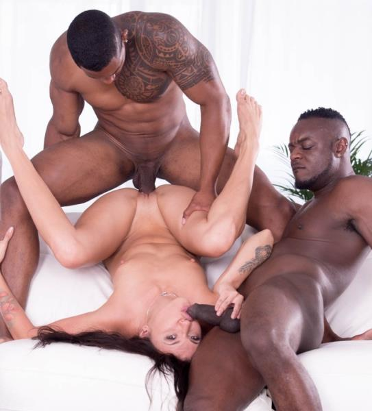 Verona Sky - Verona Sky, her first interracial trio comes with double vaginal (Private/2017/HD)