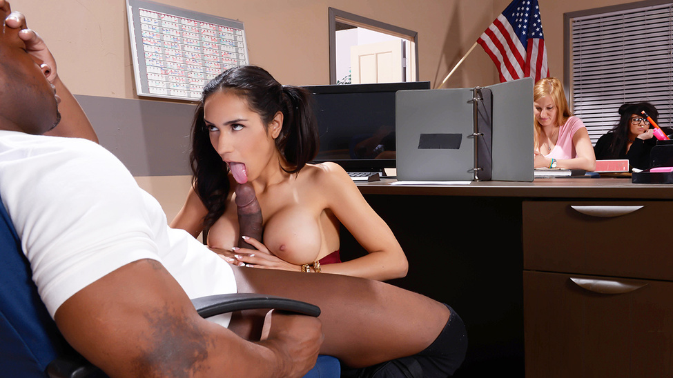 Tia Cyrus - My Phys Ed Teacher Fucked My Tits (BigTitsAtSchool/Brazzers)