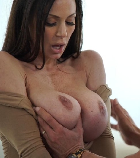 Kendra Lust – Sex With Hot Milf