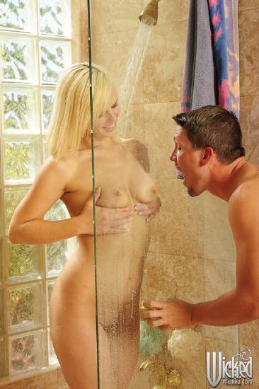 Tara Lynn Foxx - The Lust Resort, Scene 2 (WickedPictures/HD)