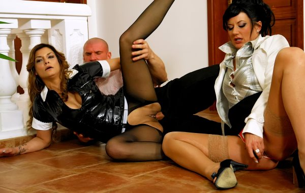 Make The Maid Clean That Piss Mess!