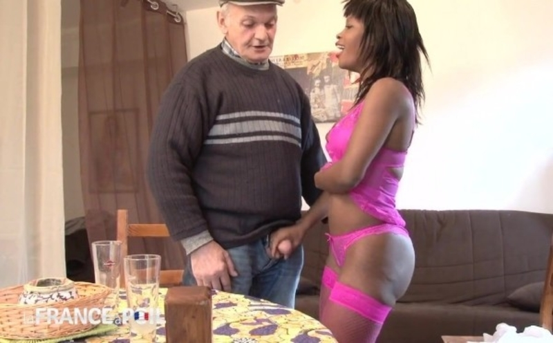 Juliana - We offer a beautiful black has our perverse Papy