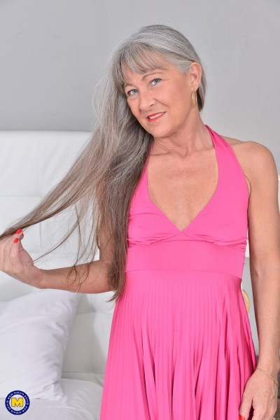 Leilani Lei (52) - Naughty American older lady playing with her toy (2017/Mature.nl/SD)