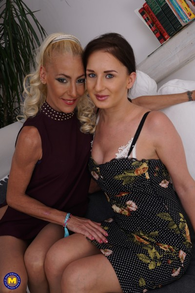 Polina (25), Yelena Vera (46) - Hot housewives fooling around (2017/Mature.nl/SD)