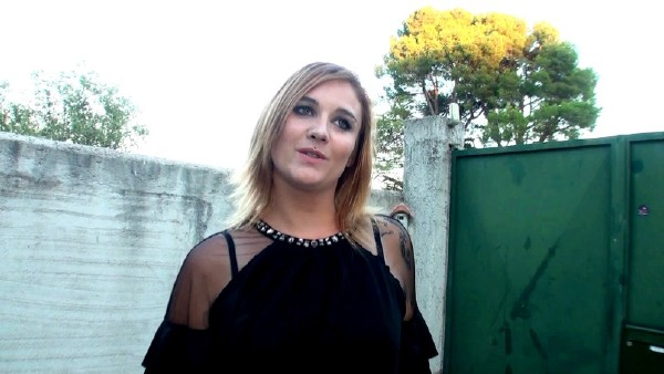 Sarah - A Aubagne 13, avec Sarah ! (2017/JacquieEtMichelTV.net/HD)