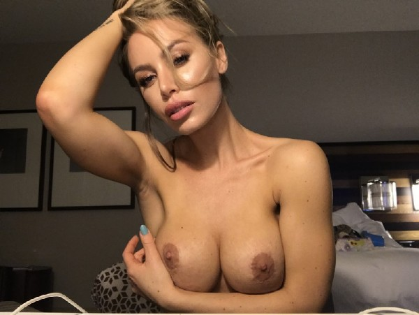 Nicole Aniston - Learning how to buttstuff (2017/0nlyFans/1080p)