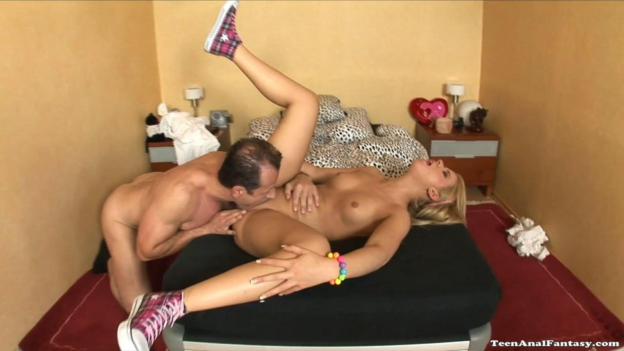Angela lesbian nude brunette