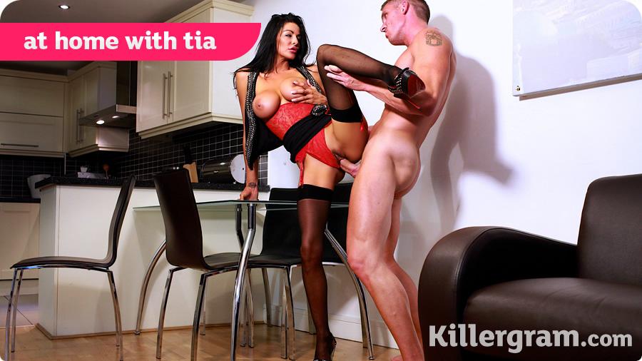 Tia Layne - At Home With Tia (Pornostatic/Killergram)