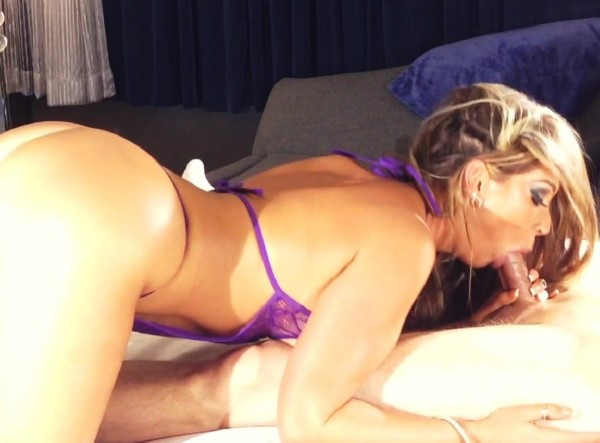 Jessica Loves Sex - Sidecam Bj from Hotel Comfort Vid (2017/ManyVids/1080p)