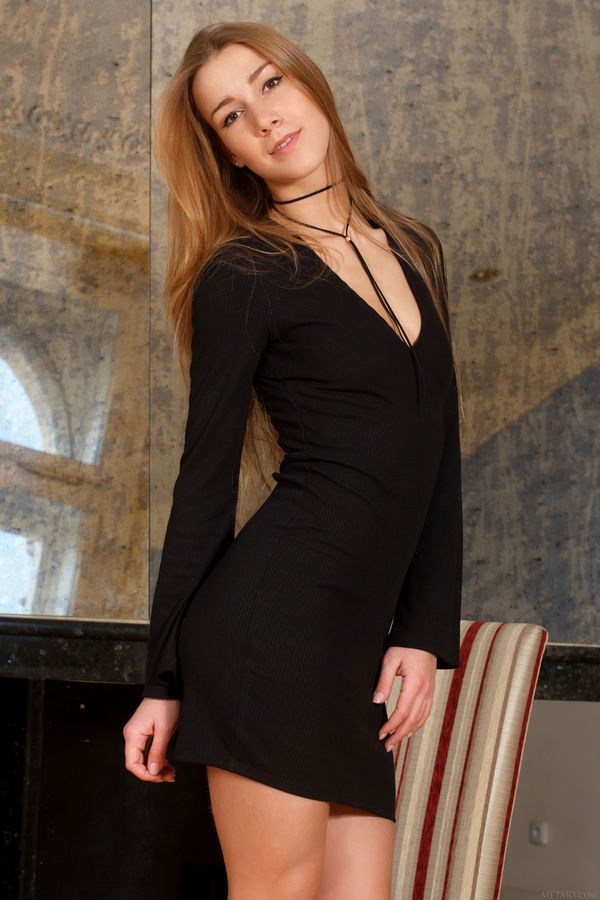 MetArt_Presenting-Alexis-Christal_Alexis-Christal_high_0001.jpg