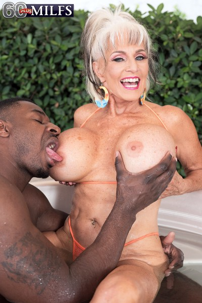 Sally DAngelo - More big, black cock for super-stacked Sally (2017/60PlusMilfs/PornMegaLoad/1080p)
