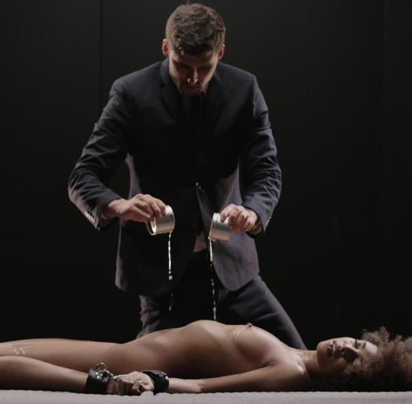 Luna Corazon - Brazilian ebony beauty Luna Corazon gets cum on ass in glamcore fetish fuck (xChimera/PornDoePremium/2017/1080p)