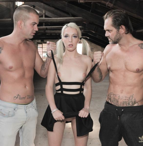 Liz Rainbow - Nachos Fucking Warehouse, Scene 2 (EvilAngel)
