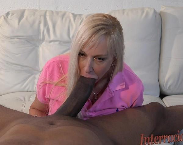 Mira, Dredd - Florida Housewife wants the 12 inch Black Cock! (2016/Interracialpass/SD)
