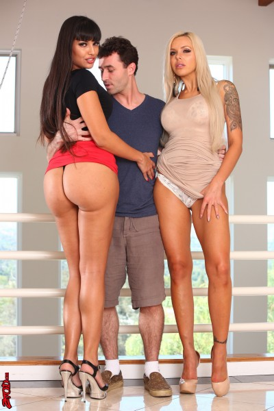 Nina Elle, Mercedes Carrera - Nina Elle And Mercedes Carrera Birthday Threesome! (ZeroTolerance/Ztod/HD)