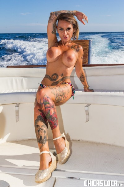 Gina Snake - Busty Spanish MILF Gina Snake gets fucked on a boat by Max Cortes (2017/ChicasLoca/PornDoePremium/SD)